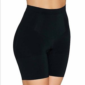 SPANX Red Hot Label MidThigh Shaper Shorts